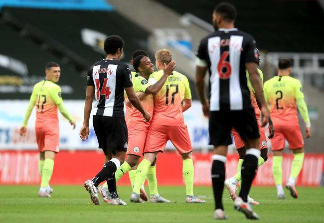 德布劳内斯特林进球 曼城2-0客胜晋级四强