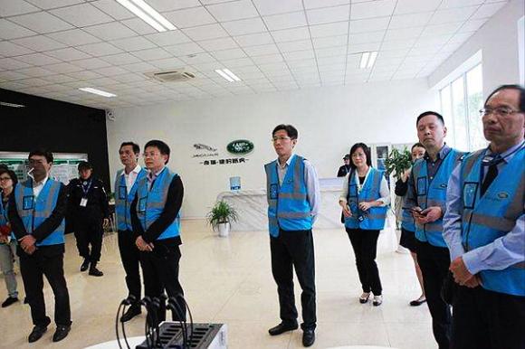 苏州市税务局党委副书记、副局长唐晓鹰:企业发展驶入高速路