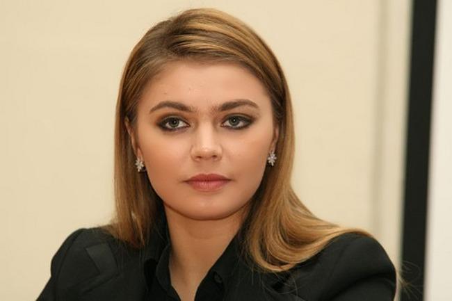 阿丽娜·卡巴耶娃世界上美丽从政女子,这里还有10个
