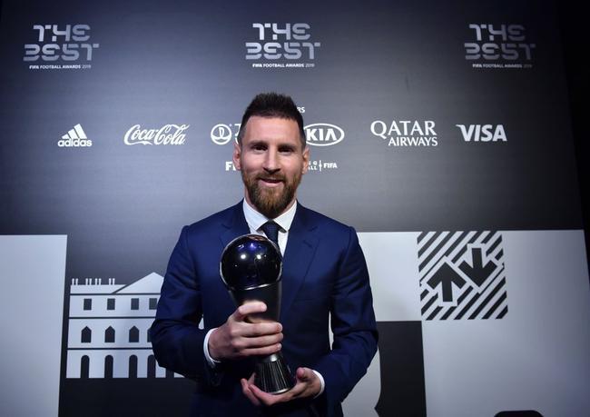 梅西压范戴克C罗荣膺世界足球先生