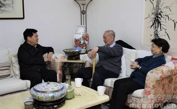 李纪恒任部长7天后专程看望了3位离休民政部部长、1位副部长