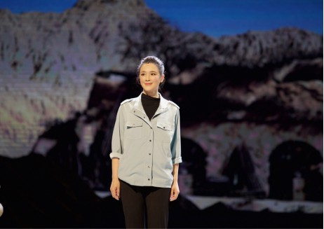 话剧版《山海情》在京上演 周显欣挑梁大型话剧《情系贺兰》深受好评
