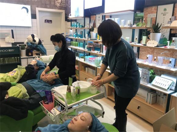 植后芦荟护肤品为更多的女性提供满意的购物新体验