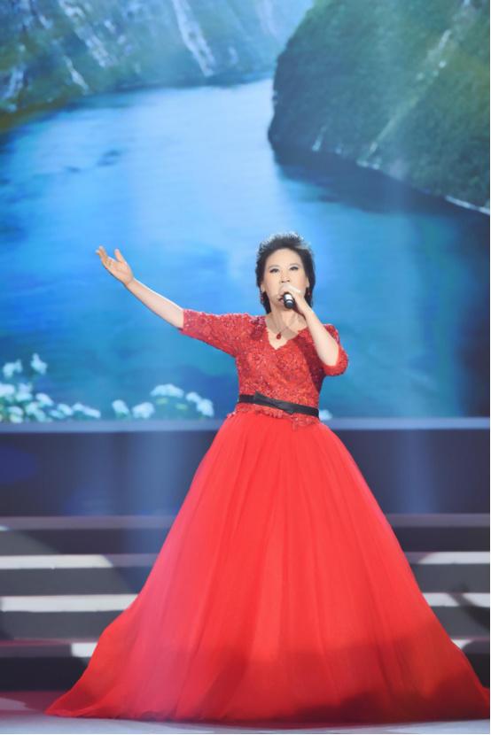 李雅坤北京个人演唱会倾情上演,用歌声唱出音乐梦想260.jpg