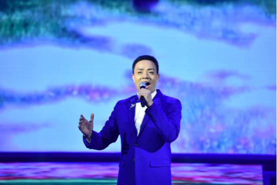 李雅坤北京个人演唱会倾情上演,用歌声唱出音乐梦想409.jpg